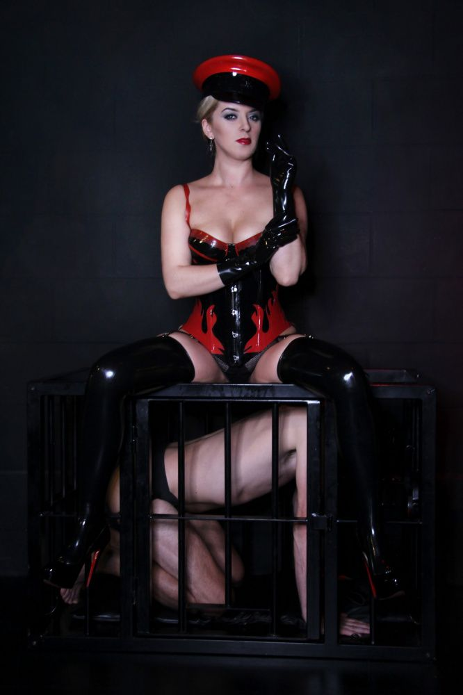 Photo von MISTRESS SANDRA