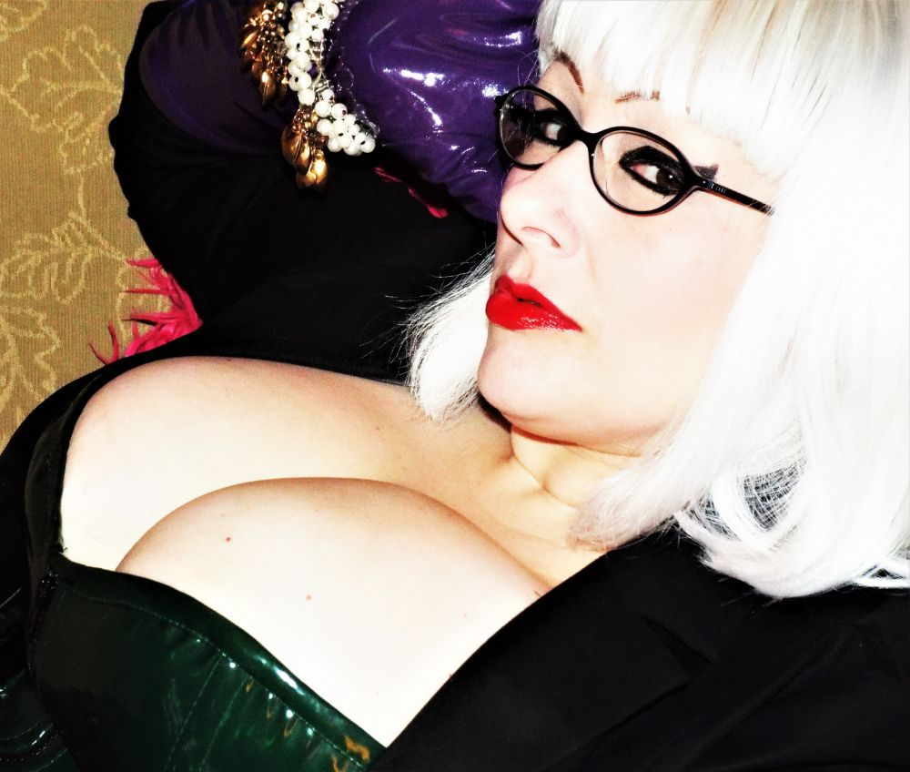 Photo from  MISS BLUE SATIN