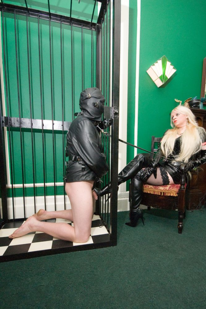 Photo from  UK MISTRESS