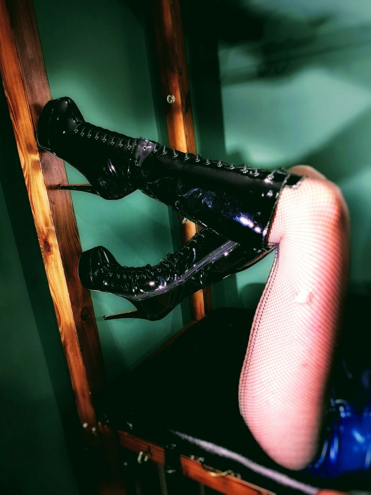 Photo from  MISTRESS LEX